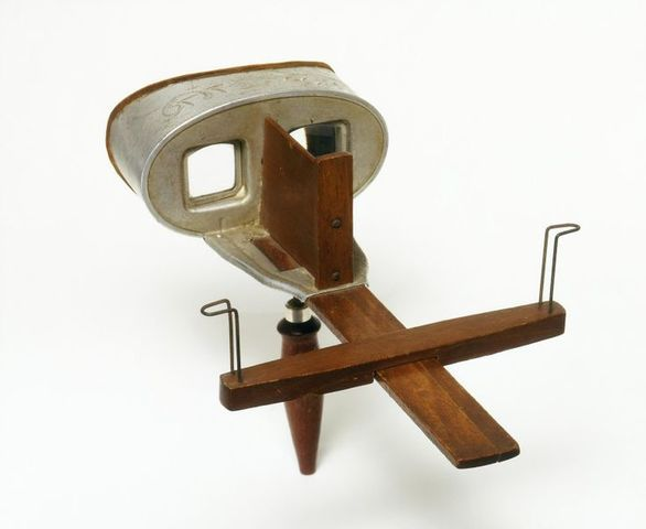 1861 Stereoscope viewer.