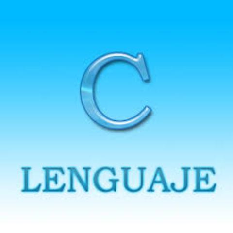 """1972 – Lenguaje C: (Basado en un lenguaje anterior llamado """"B"""")"""