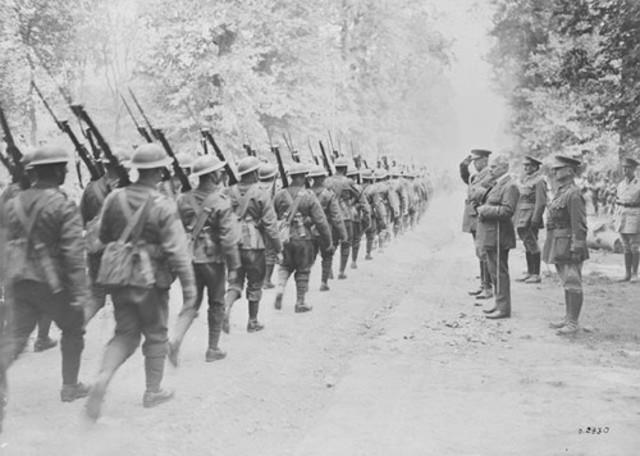 Gran Bretaña declara la guerra a Austria.