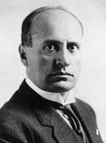 Mussolini befris