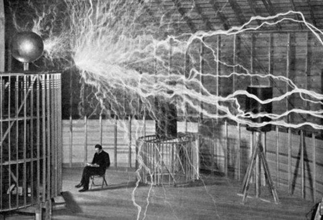 INVENCIÓN DE LA ELECTRICIDAD SIGLO XIX
