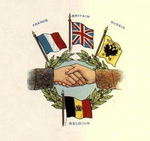 Italia se une a la Entente (Inglaterra, Francia, Rusia)