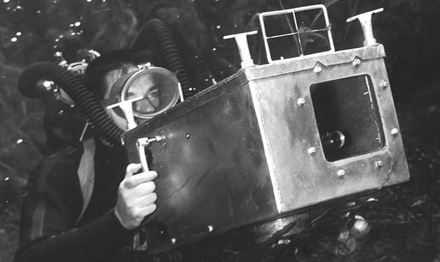 1960 The first underwater camera