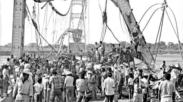 Oct 15, 1981 El Puente de Oro es dinamitado