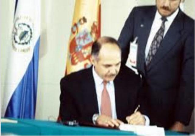 Firman los Acuerdos de Paz en la ciudad de Chapultepec
