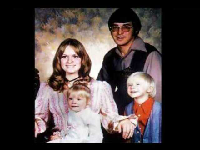 Cobain's Early Music Interest & Parent's Divorce