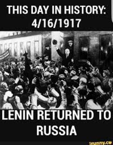 Lenin returns to Rusia