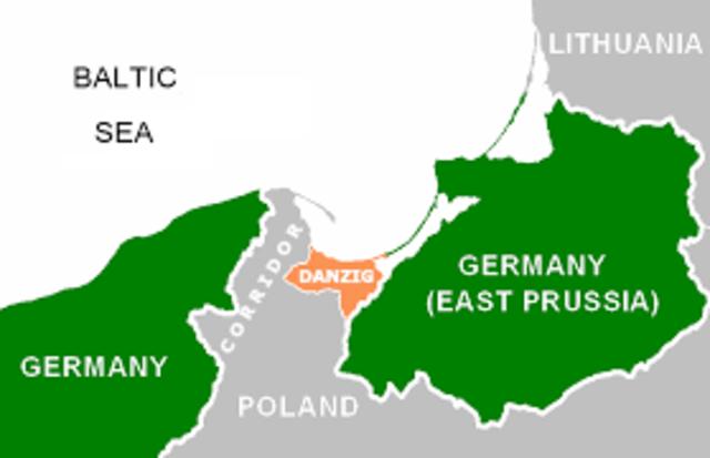 Tyskland går inn i Polen