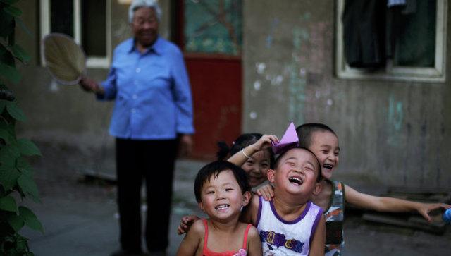 Первый год без запрета на второго ребенка КНР