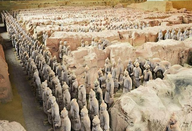 Terracotta Army (Army of emperor Shi Huangdi)