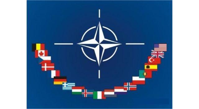La creación de alianzas militares