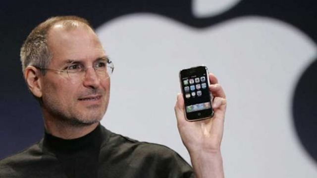 Steve Jobs anunció públicamente el iPhone