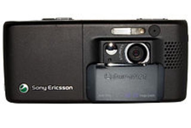 2002-Primer celular con cámara