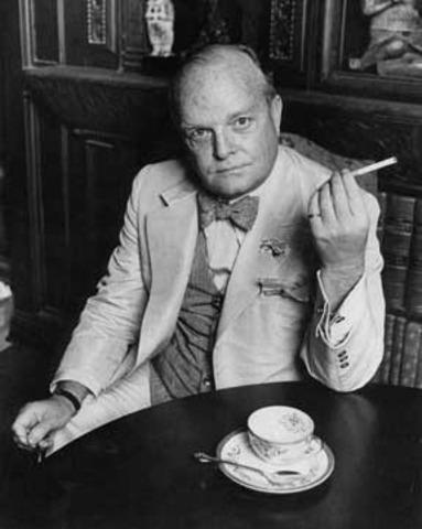 Lee befriends Truman Capote