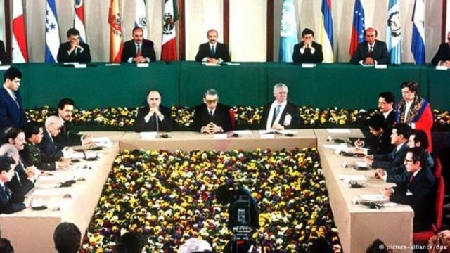 La firma de los Acuerdos de Paz
