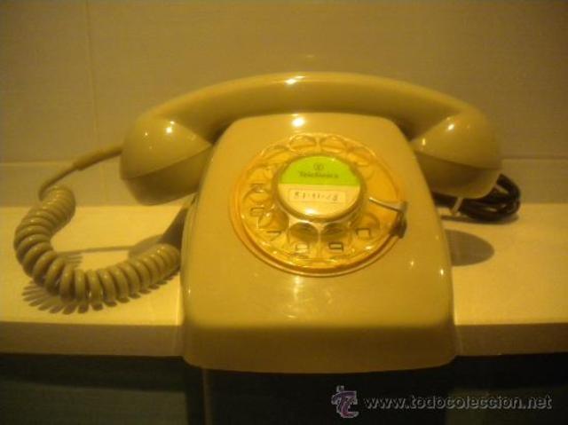 Cuando naci ya estaba el primer telefono de casa