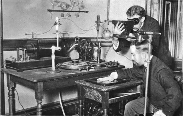 Se inventan los primeros rayos X