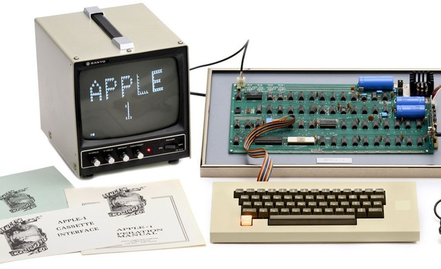 APPLE 1 (steve wozniak)