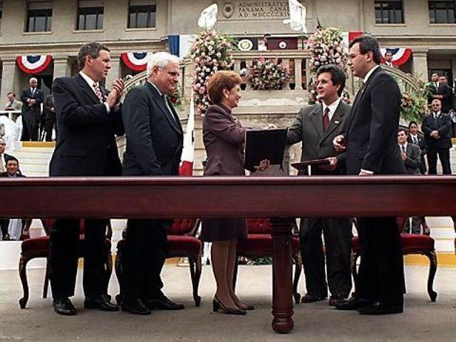Traspasos de administración y Territorio Panameño