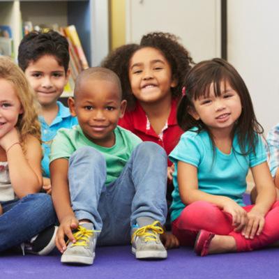 El concepto y educación de la infancia a través de la historia timeline