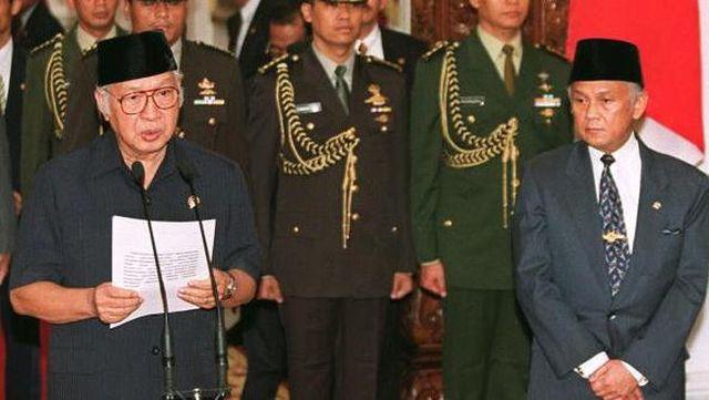 Soeharto mengundurkan diri