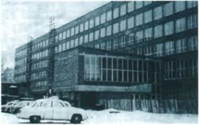 Pierwsze instytuty