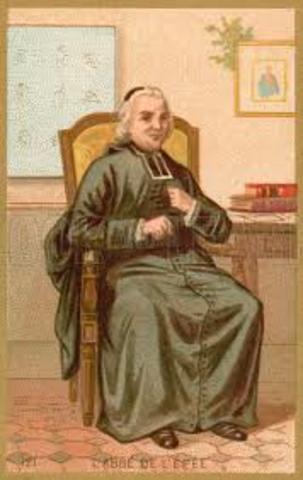 Charles-Micha de L`Epee (1712-1789) crea la primera escuela para sordos en París.