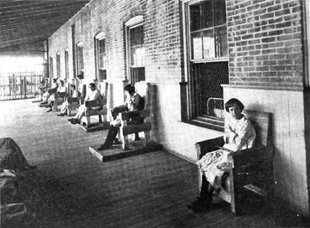 Primera escuela de enfermería en salud mental en un asilo