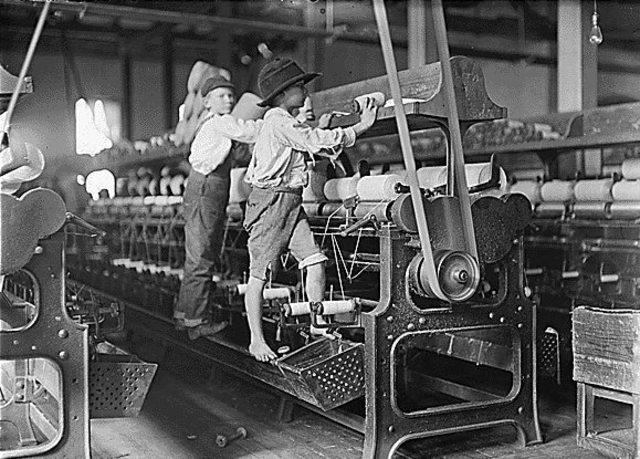 Inicio de la 1era Revolución Industrial.