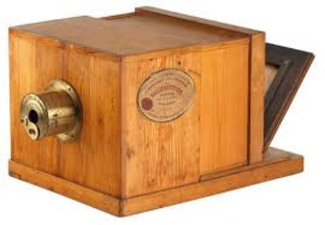 the first camera made