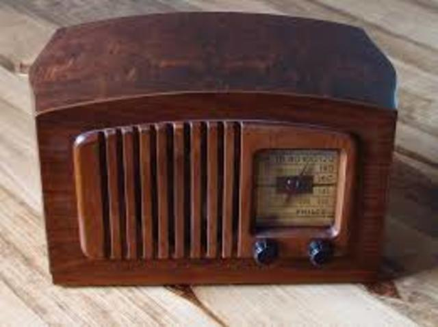 first radio made