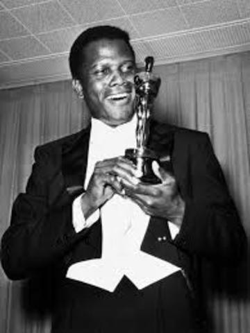 irst African-American man to win the Academy Award for Best Actor: Sidney Poitier
