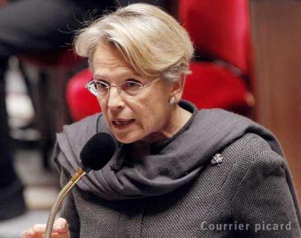 Michèle Alliot-Marie : l'affaire Bettencourt «n'est pas politique»