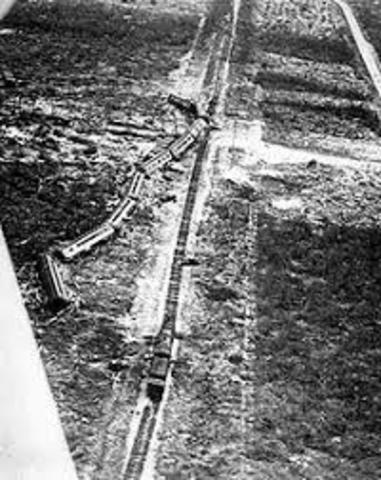 (1944) 47 railroad workers died in train derailment in Stockton.