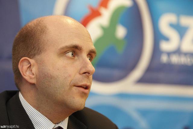 Retkes Attila, a párt új elnöke