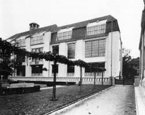 Inauguración de la Bauhaus en Weimar