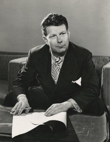 Nacimiento de Norman Bel Geddes