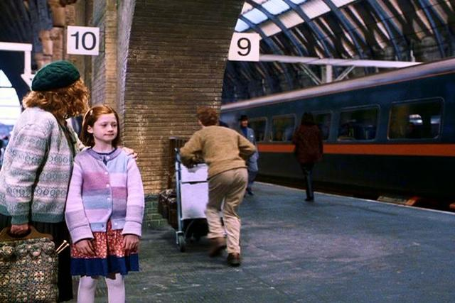 Harry gets help to find platform nine and Three-Quarters