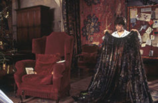 Harry receives the Invisibility Cloak