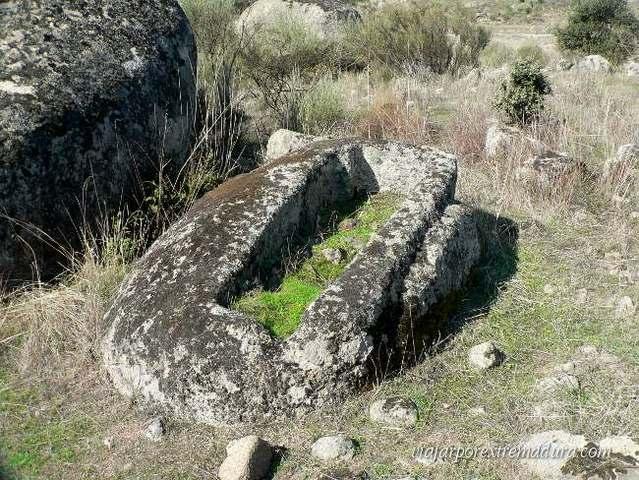 Tumbas antropomorfas en el Monumento Natural de los Barruecos