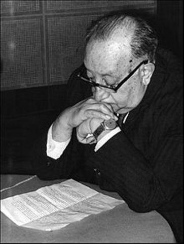 """Asturias trabajó como periodista. Fundó y editó una revista de radio llamada """"El diario del aire""""."""