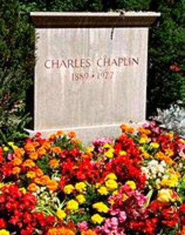 נפטר בשנתו בגיל 88 בביתו שבשווייץ