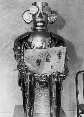 Робот-андроид английского изобретателя Гарри Мея