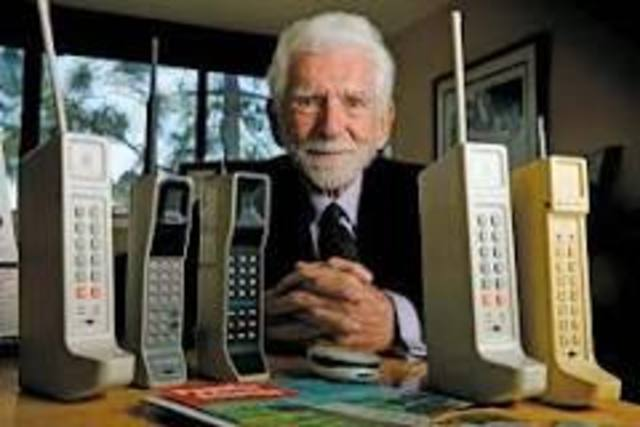 The Worlds First Cell Phone