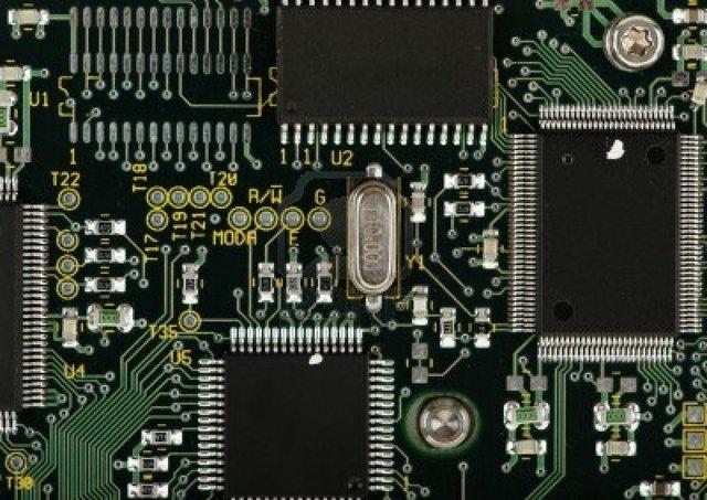 Aparecen los circuitos integrados