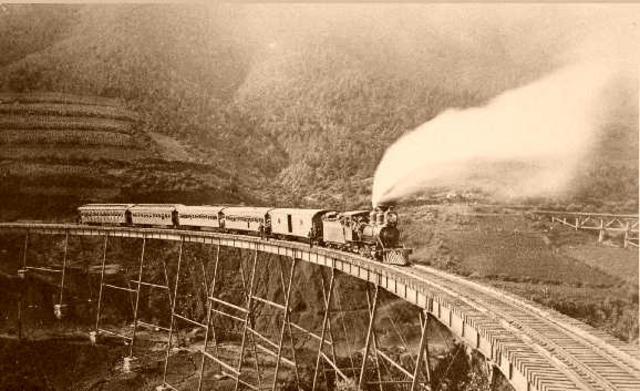Llegada del Ferrocarril a la frontera