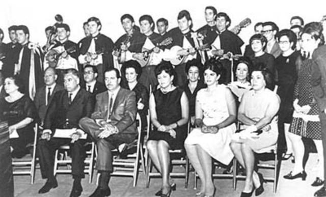 Se inaugura la universidad Femenina de ciudad Juárez