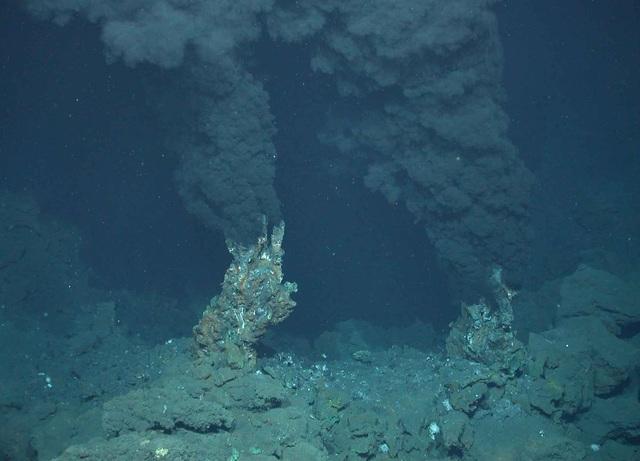 Descubrimiento de Chimeneas hidrotermales