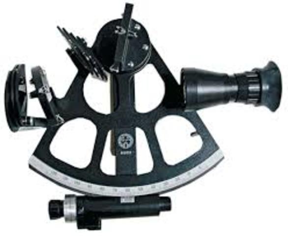 John Hadley, inventa el sextante.