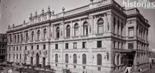 Se inaugura el Palacio de Comunicaciones